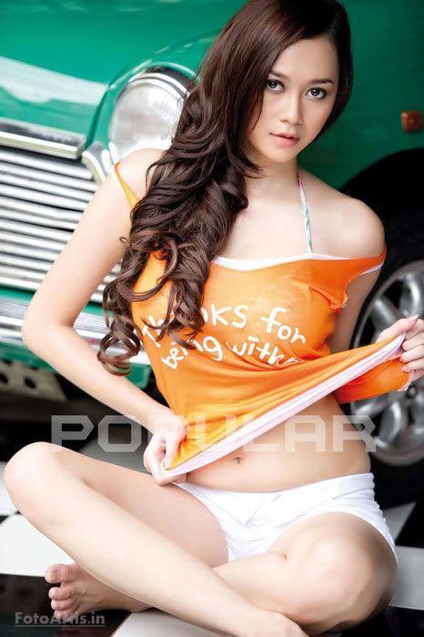 Foto Aura Kasih Jadi Sampul Majalah Popular Www Amies