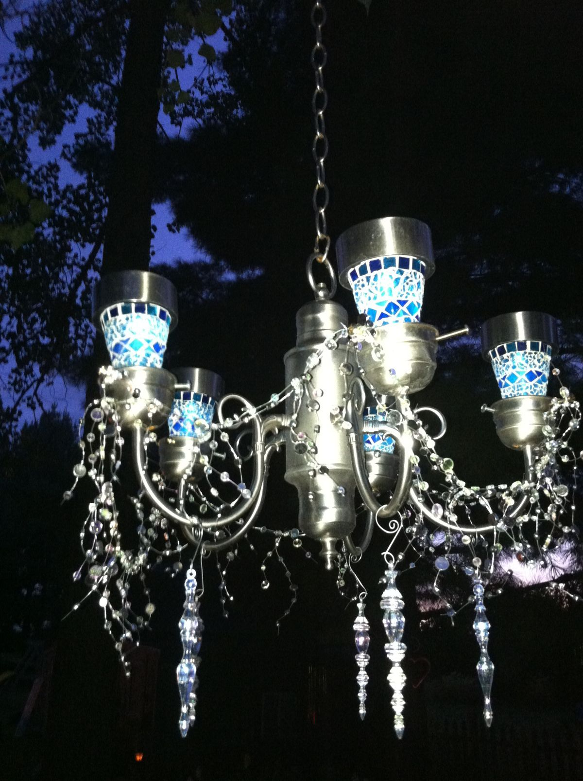 A40da721e1b59ce187a63c8bceb7698fg 12001606 pixels garden trash to treasure garden solar light chandelieri made this from an old light fixtureadded solar lights some bling i have made a couple of these for arubaitofo Choice Image