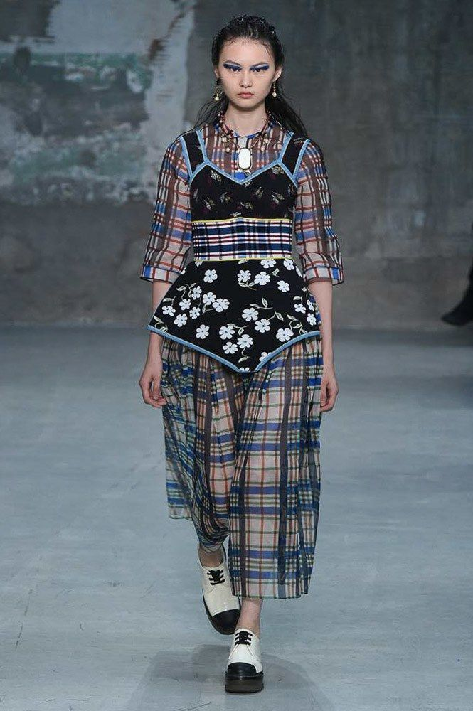 Marni Spring 2018 Ready-to-Wear Collection Photos - Vogue