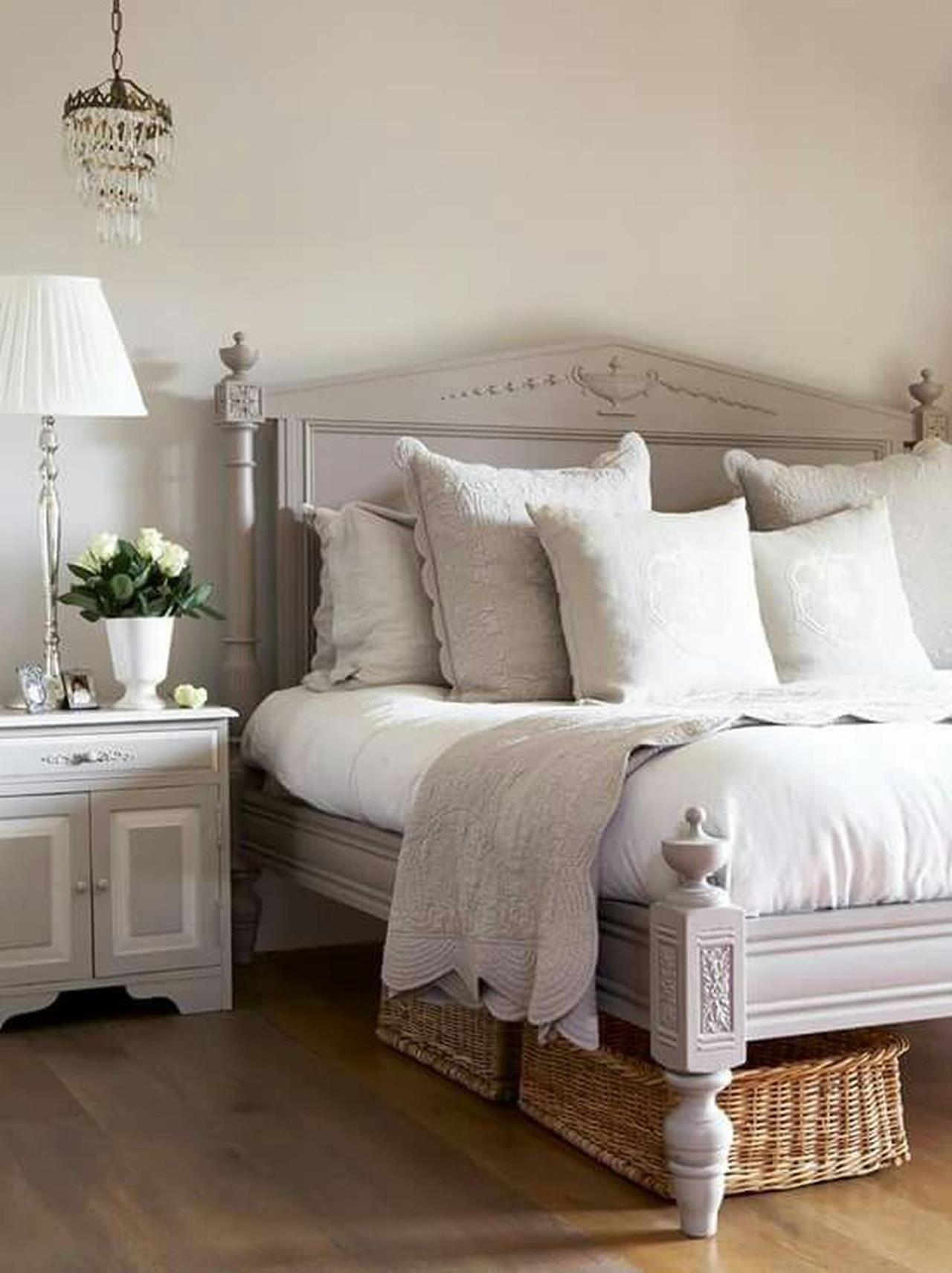 Vintage master bedroom decor  Vintage Farmhouse Bedroom Decorating Ideas   Bedrooms  Pinterest