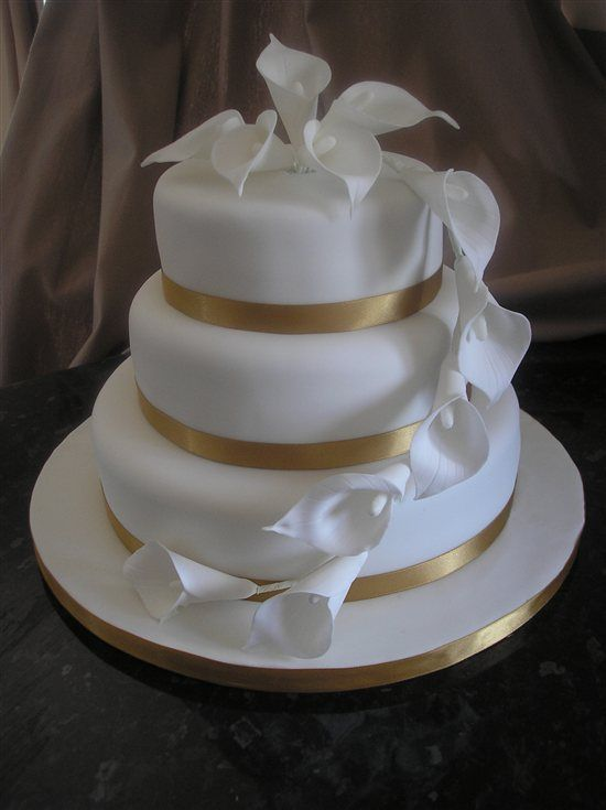 wedding cakes with lilies and roses with burgundy mango calla lilies cakes food 26057