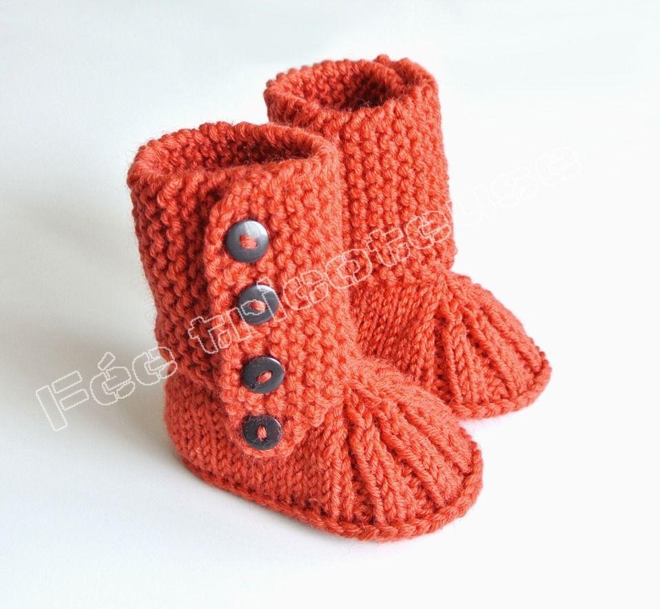 Articles similaires à Petits chaussons de bébé tricotés à la main (bottes  6) sur Etsy. ConfirmationBaby BootiesLayetteSlippersShoesBebeBlindsBaby ... 0f9896f3d079