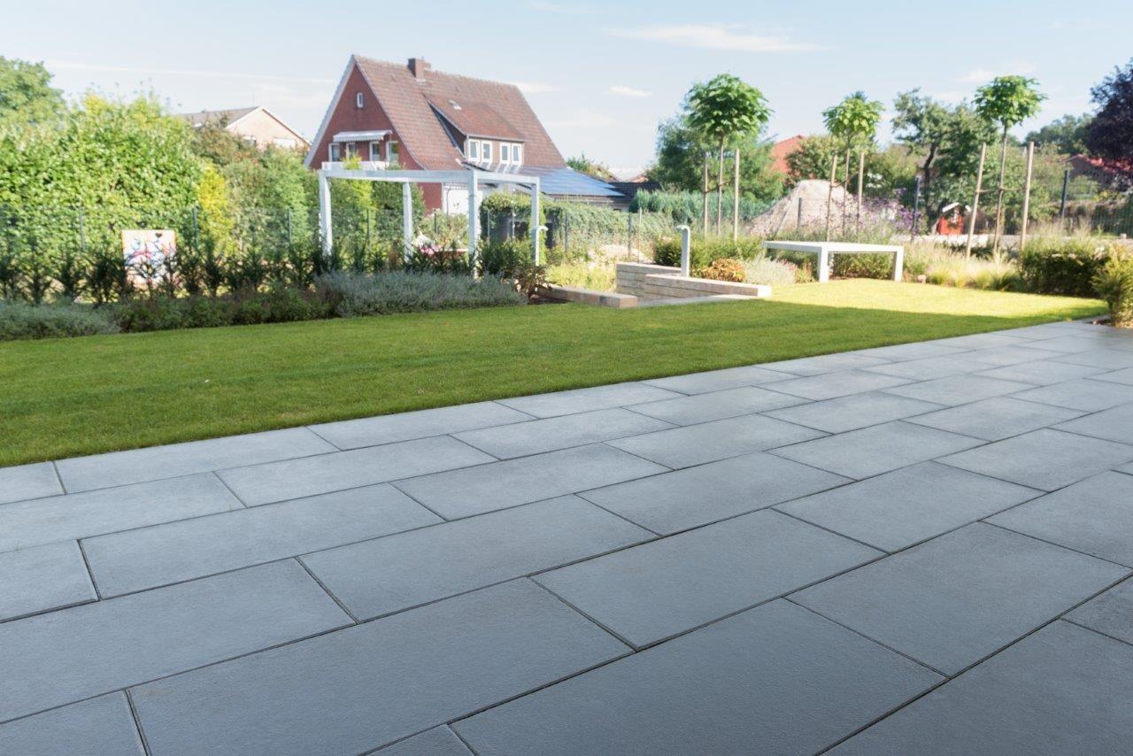 Feinsteinzeug Terrassenplatten feinsteinzeug terrassenplatten 2 cm terrassenplatten feinsteinzeug 2 cm preise bz91 hitoiro