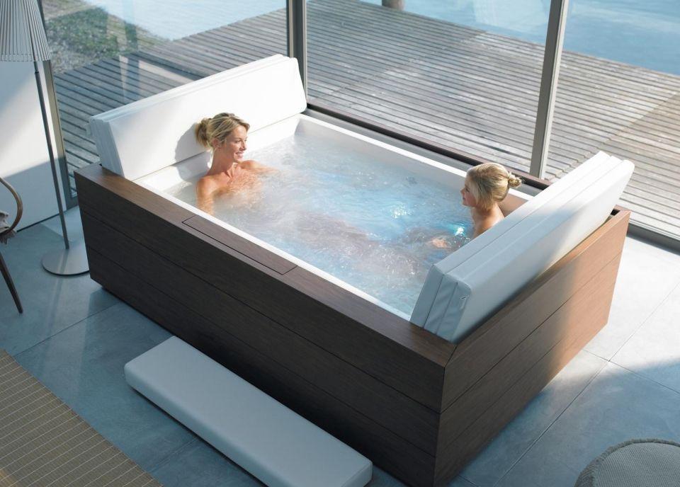 Whirlwannen Fur Drinnen Und Draussen Doppelbadewanne Modernes Badezimmerdesign Badezimmer