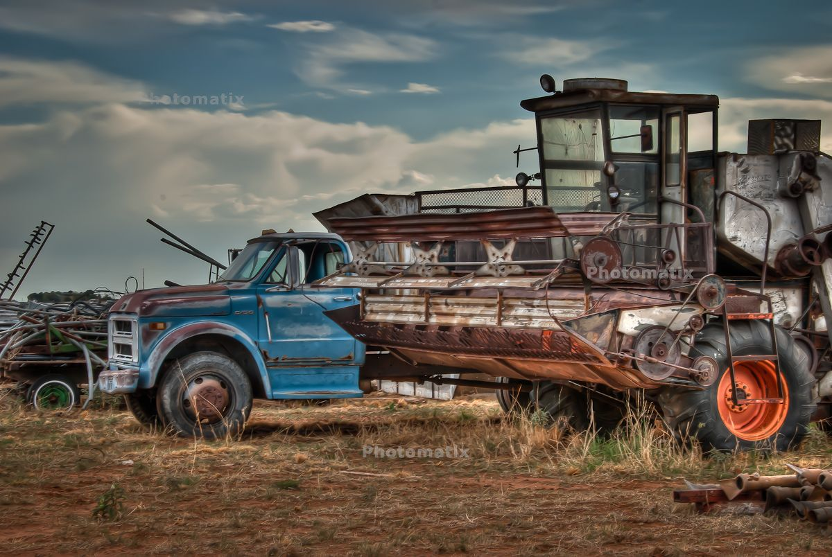 Gleaner E Combine : Old gleaner combine photography pinterest tractor