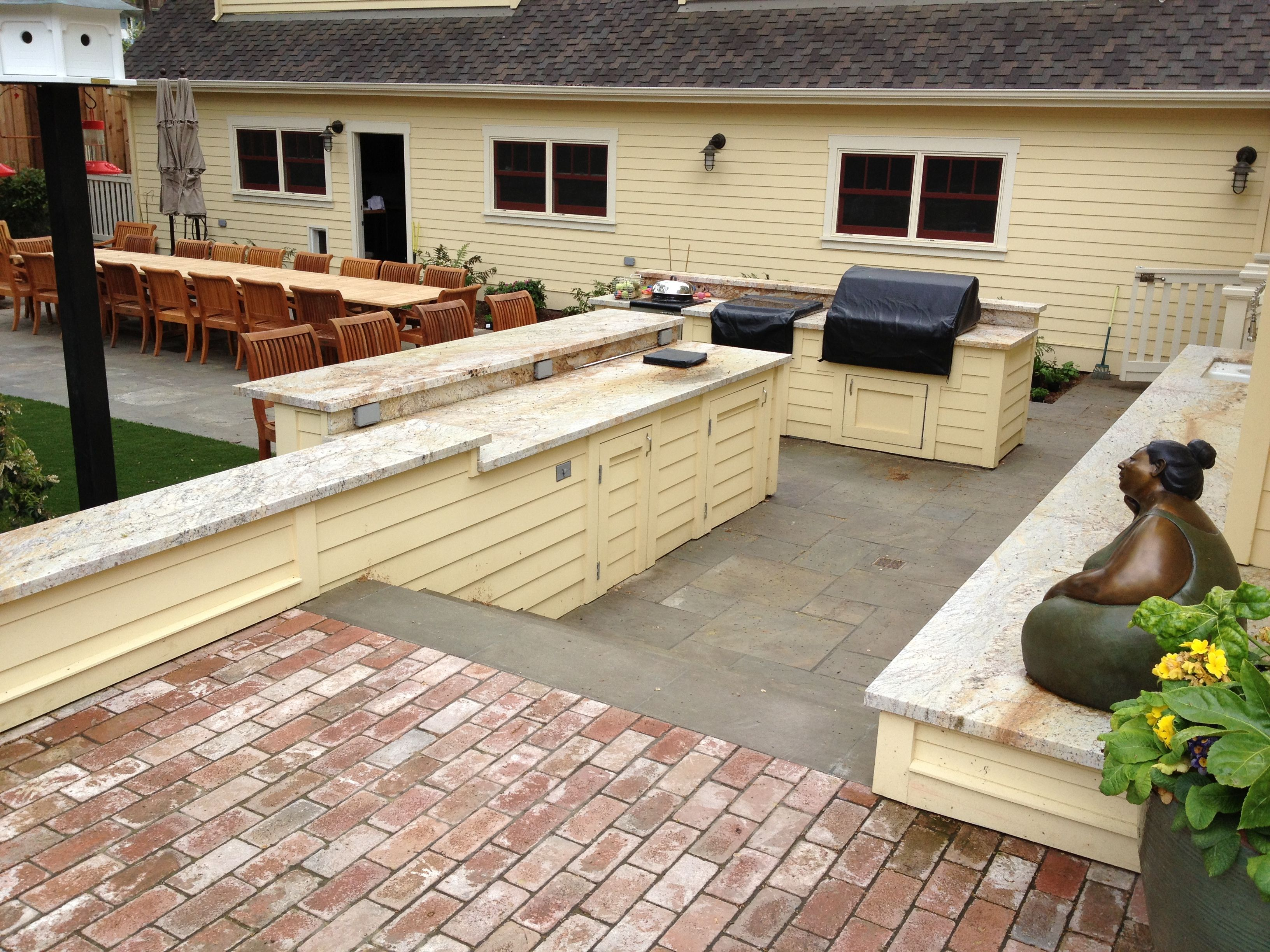 Outdoor Kitchen Sides Of Counter To Match Siding Of House Granite Counters Contractor Morgenroth Deve Farmhouse Style House Farmhouse Style Outdoor Kitchen