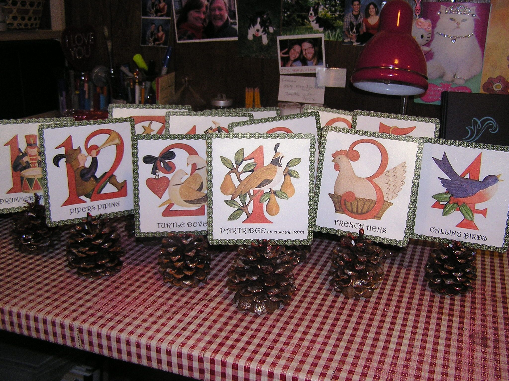 12 Days Of Christmas Table Numbers Diy Idea From Another Pin Using Slate Chalk 3 Hens Christmas Table Decorations 12 Days Of Christmas Christmas Themes