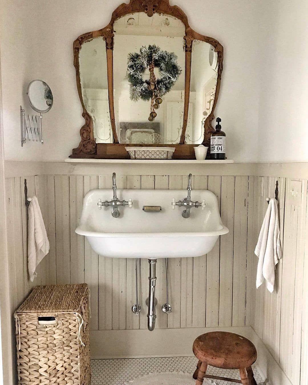 Legno ferro fai da te. Heyfoo Antique Homedecor Shop On Instagram Looking For Inspiration Thinking About My Bathroom S Bagno Shabby Chic Idee Bagno Rustico Arredo Bagno Vintage