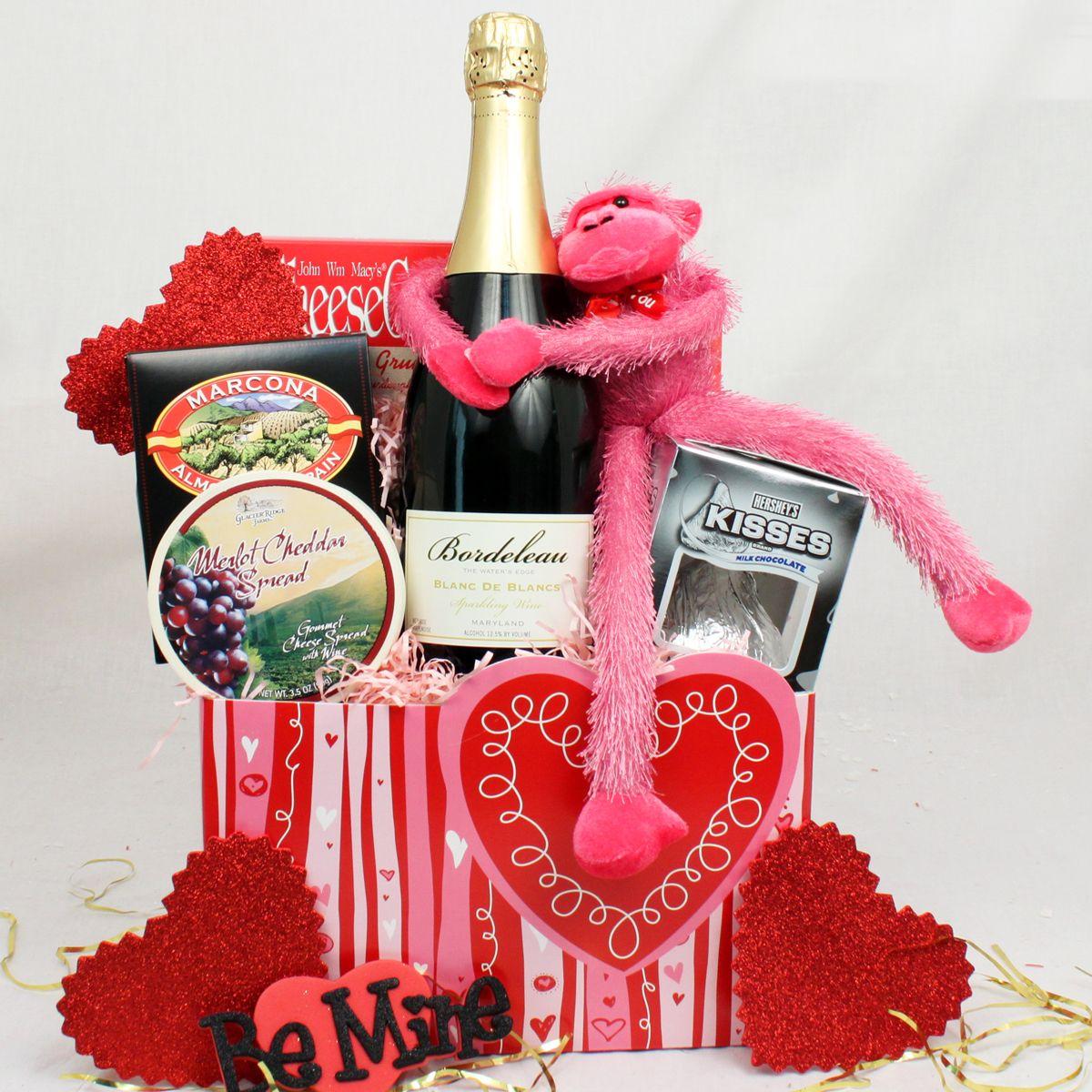 0732d24332c82 Valentine s Day Gift Baskets