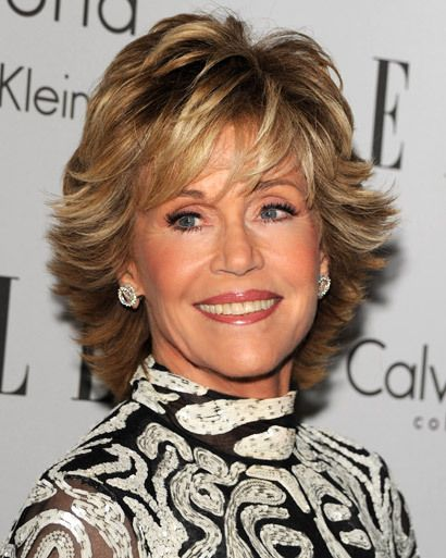 30 best jane fonda hairstyles coiffure et maquillage. Black Bedroom Furniture Sets. Home Design Ideas