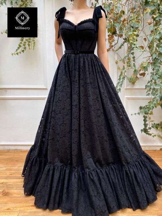 Elegant A-Line Sweetheart Black Lace Prom Evening