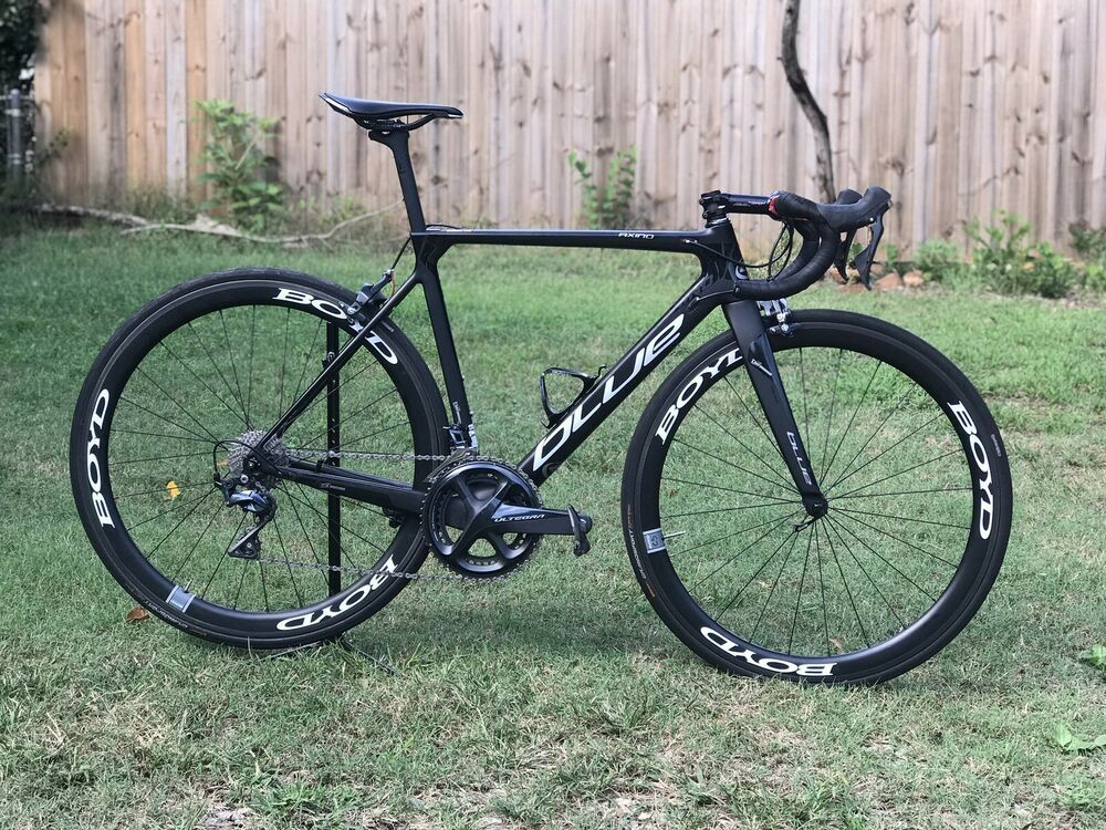 2018 Blue Axino Ex Size 54 52 Carbon Road Bike With Boyd 44 Carbon Clinchers Carbon Road Bike Road Bike Road Bikes