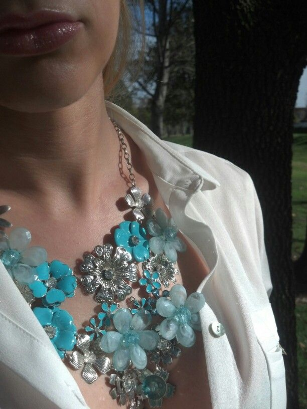 Statement necklace, love the open shirt with it