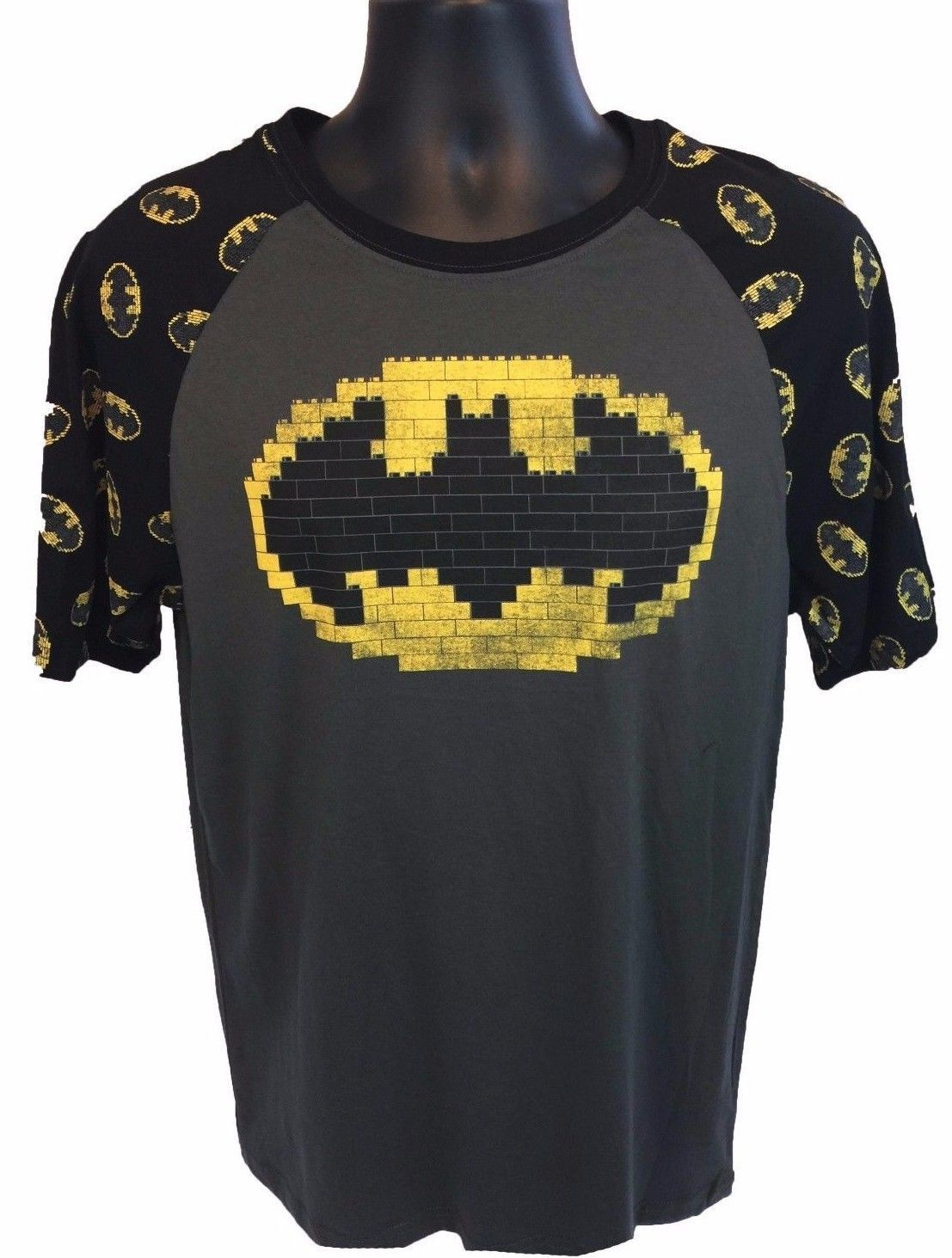 New LEGO BATMAN MOVIE Bat Signal Mens T-Shirt Size Large Dark Gray Cotton Tee
