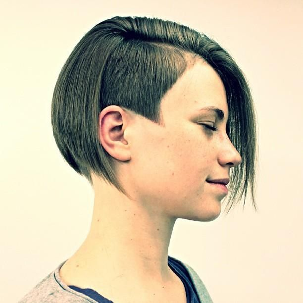August | 2014 | Haircut, headshave and bald | Coiffure, Carré plongeant, Carré plongeant sidecut