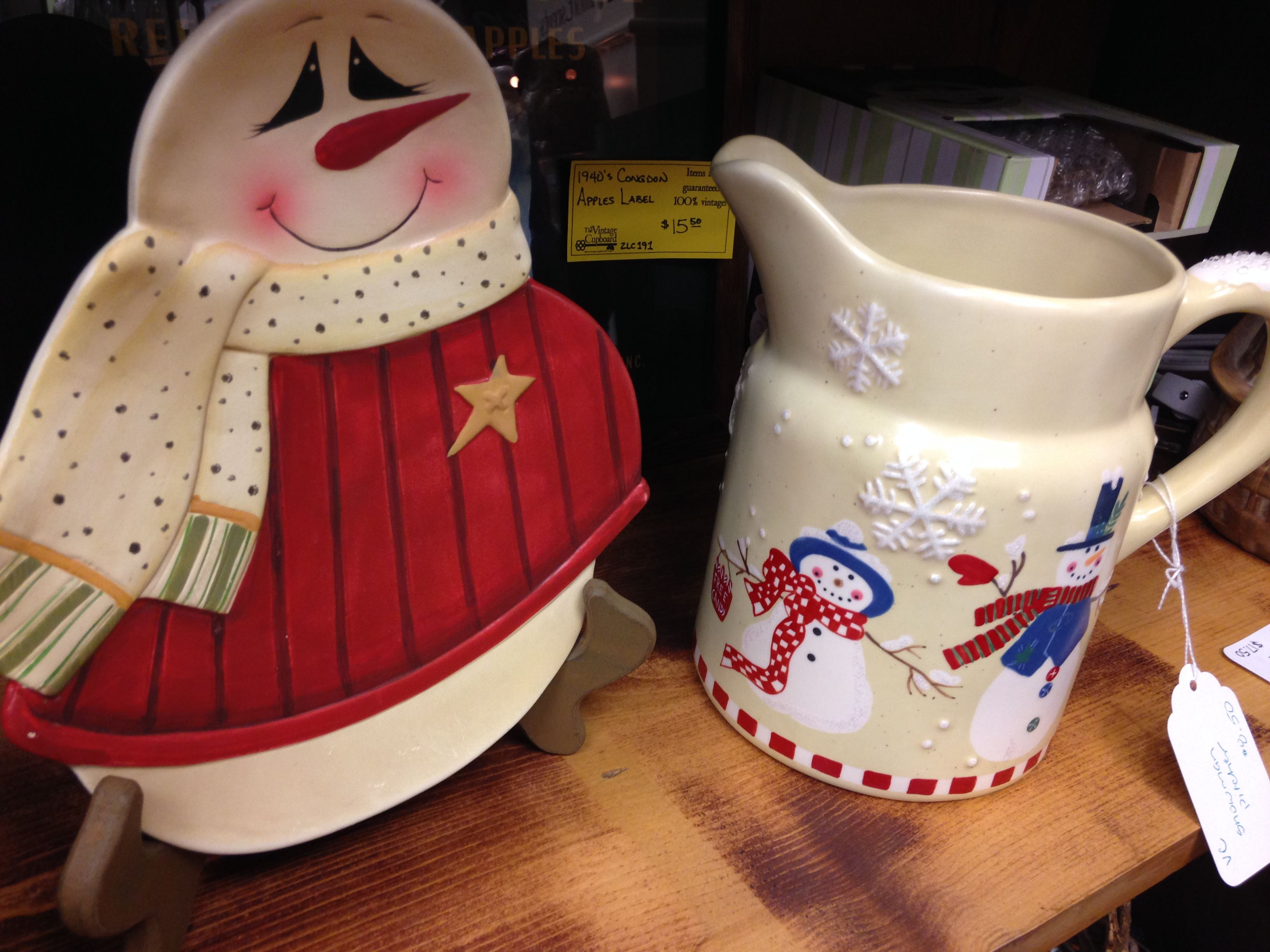 Snowman plate (left) and pitcher (right).