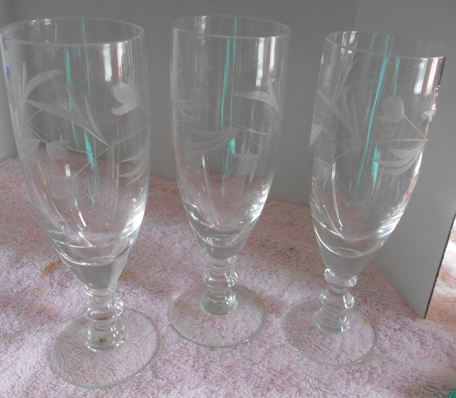 672454a167db Etched Flower Champagne Flutes Cordial Campari or Wine glasses ? Crystal by  VintageVarietyFinds on Etsy