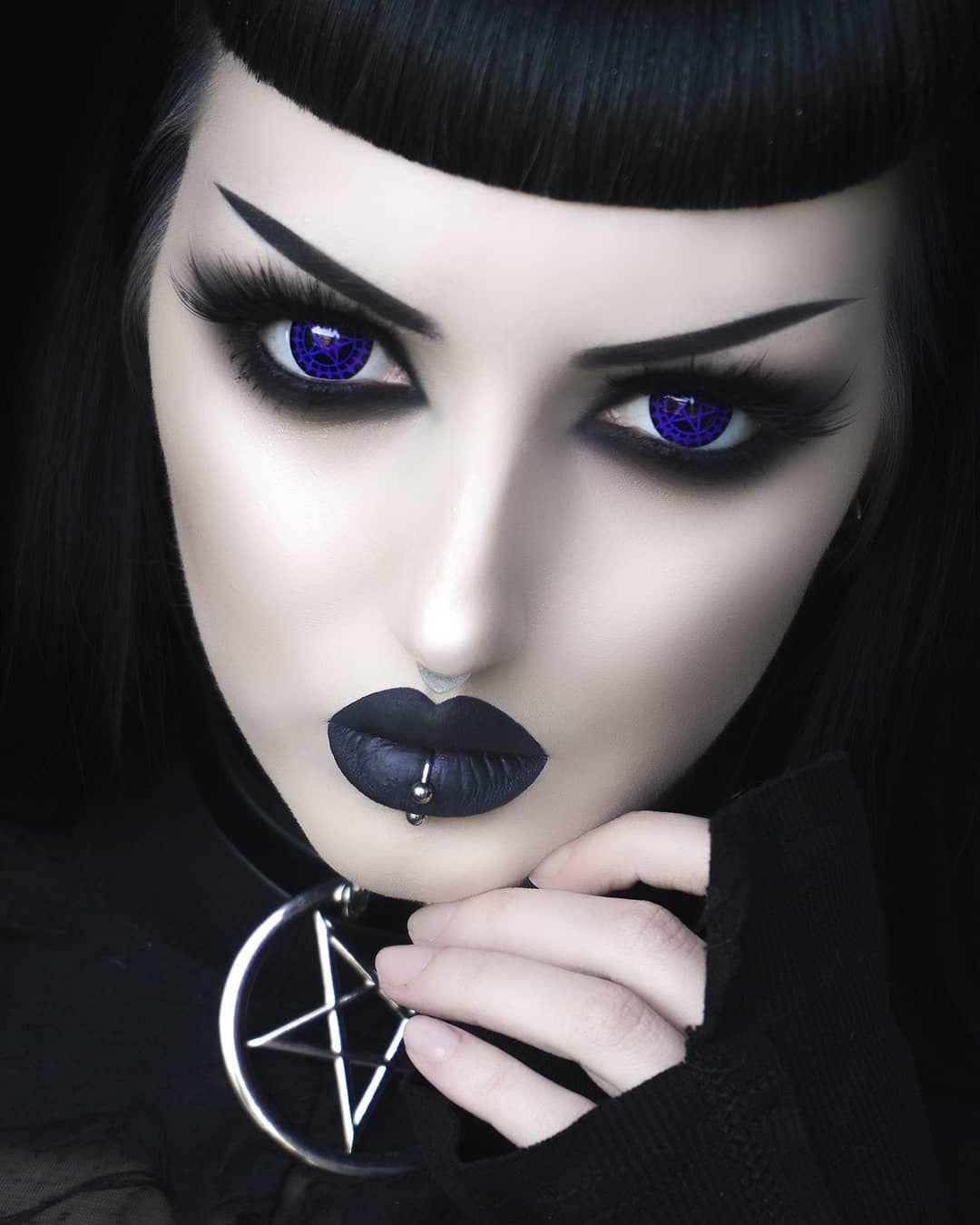 Готический макияж в картинках