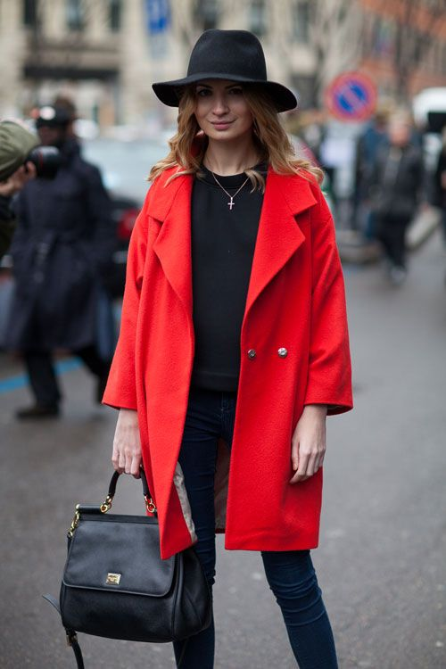 Red coat style – Novelties of modern fashion photo blog