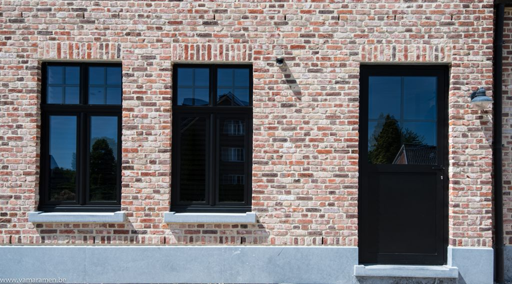 Ramen En Deuren Landelijke Stijl.Landelijke Woning Zwarte Ramen Google Zoeken Ramen Huis
