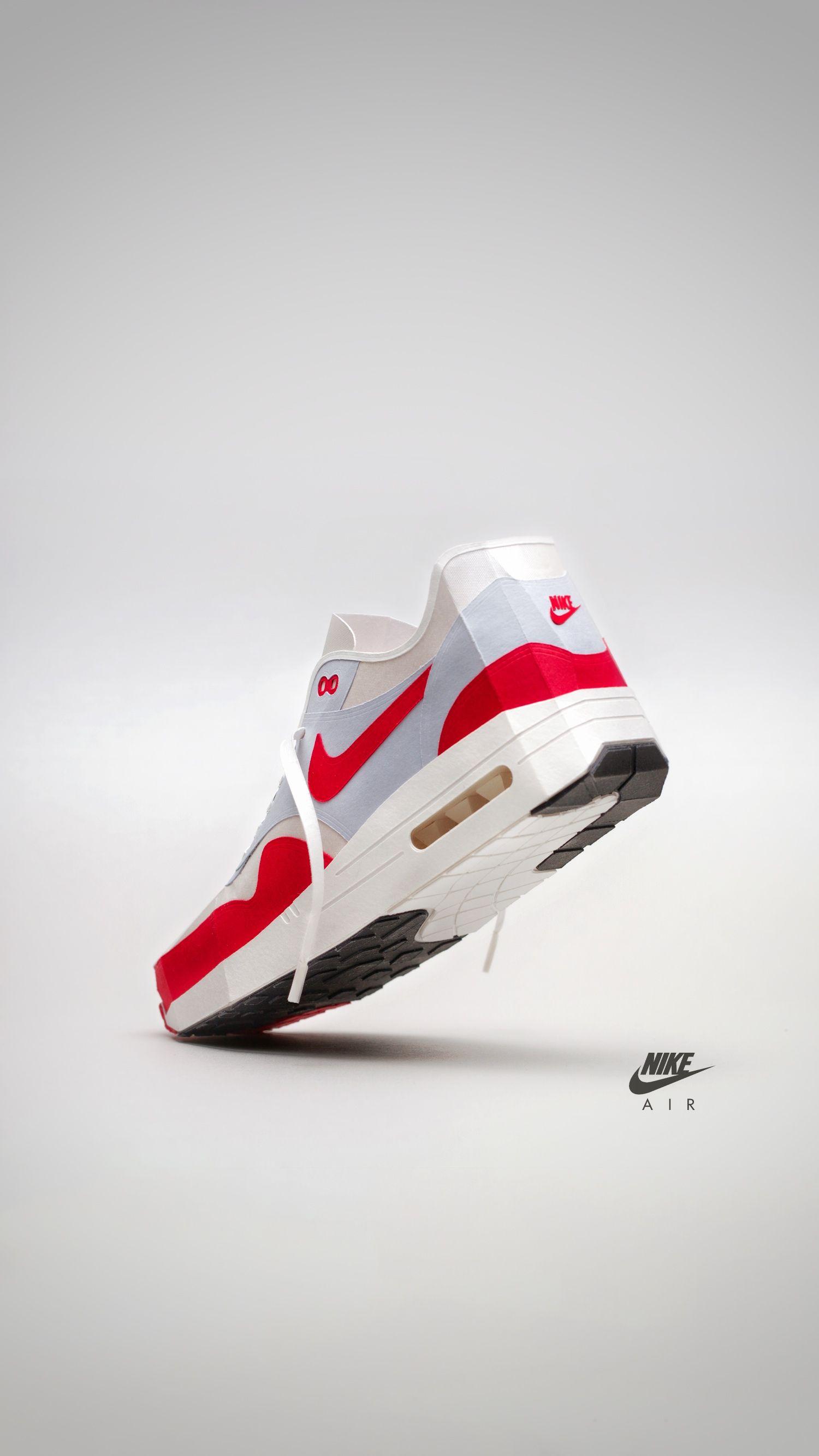 Nike Air Max 1 papercraft