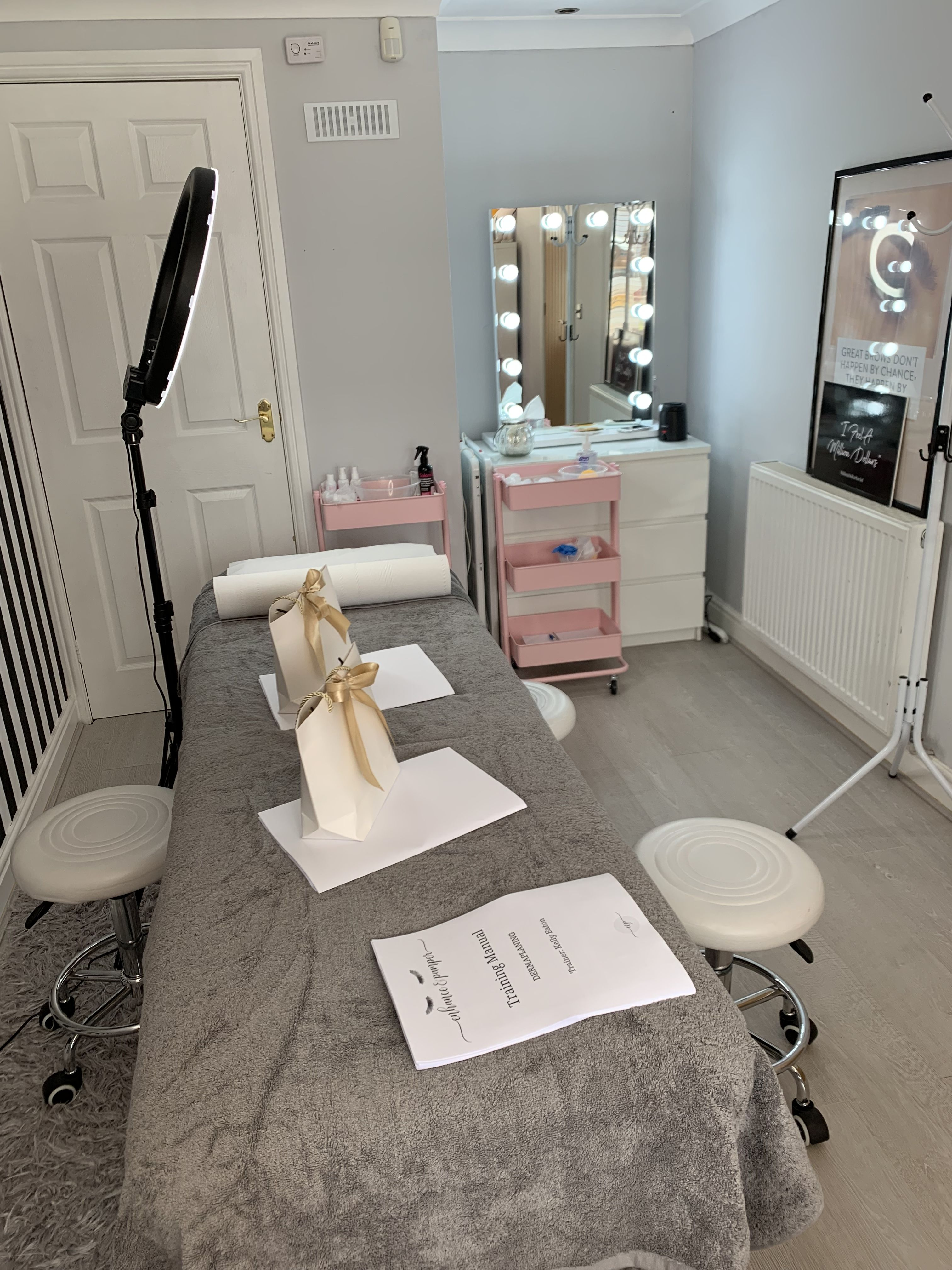 Lash Training Session At Enhance And Pamper In 2020 Esthetics Room Beauty Room Decor Spa Room Decor
