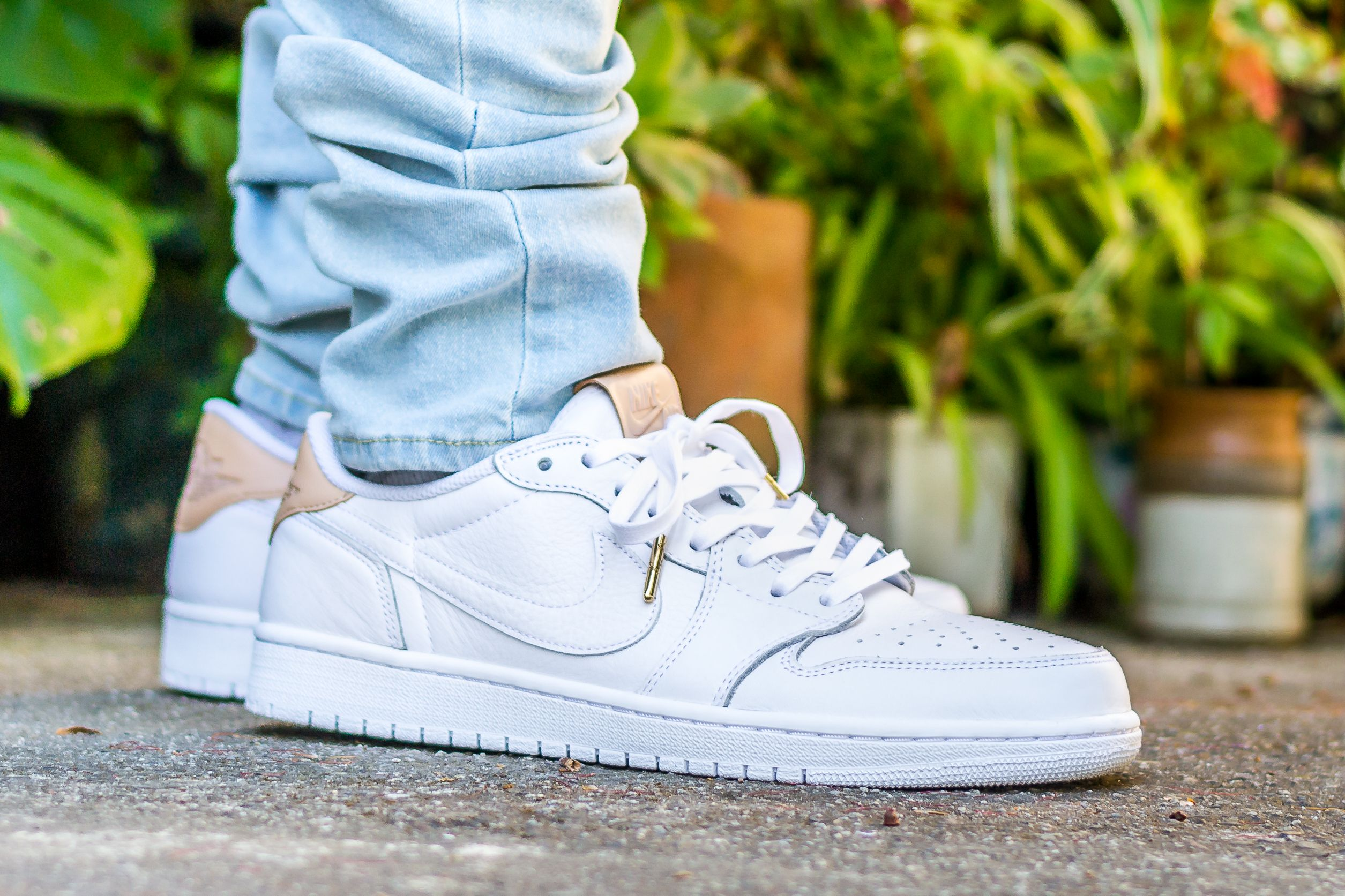 detailed look 5bbf3 71381 Click to see my video review of the Air Jordan 1 Low OG Premium White    Vachetta Tan and find out where to buy a pair yourself