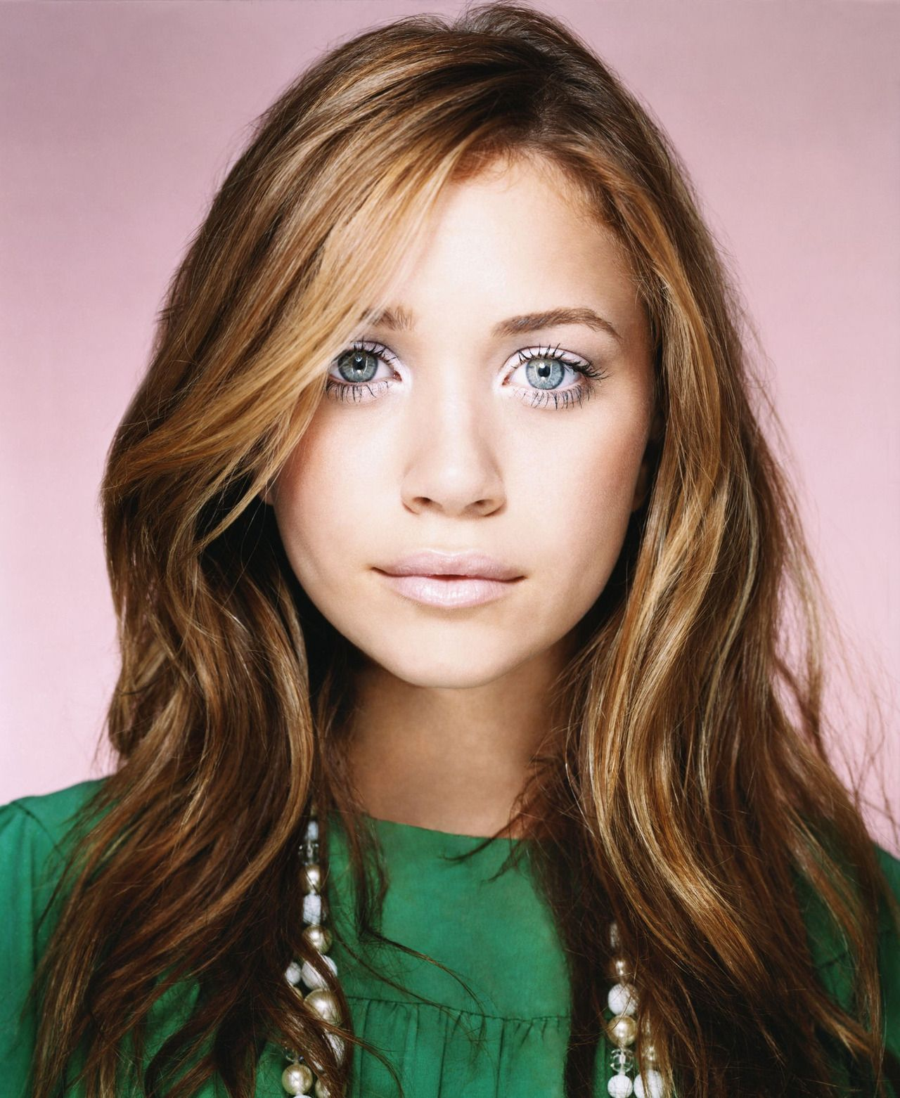 Mary Kate Olsen Love This Hair Color To Go Brunette Makeup