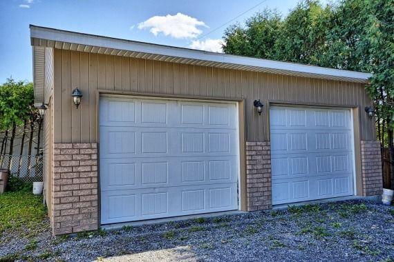Beau bungalow avec garage double détaché complètement rénové Vous - sous couche salle de bain