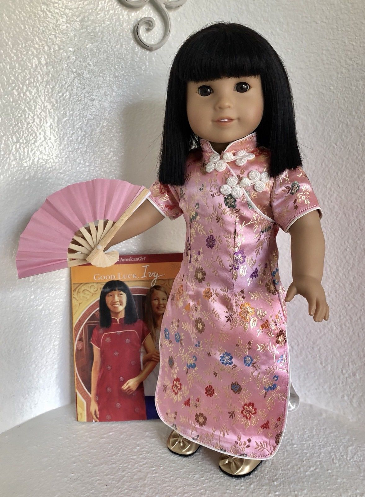 American Girl Ivy/'s Meet Coin Authentic  New Chinese Good Luck