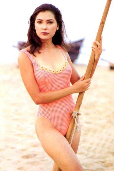 Lara Dutta Bikini Hot