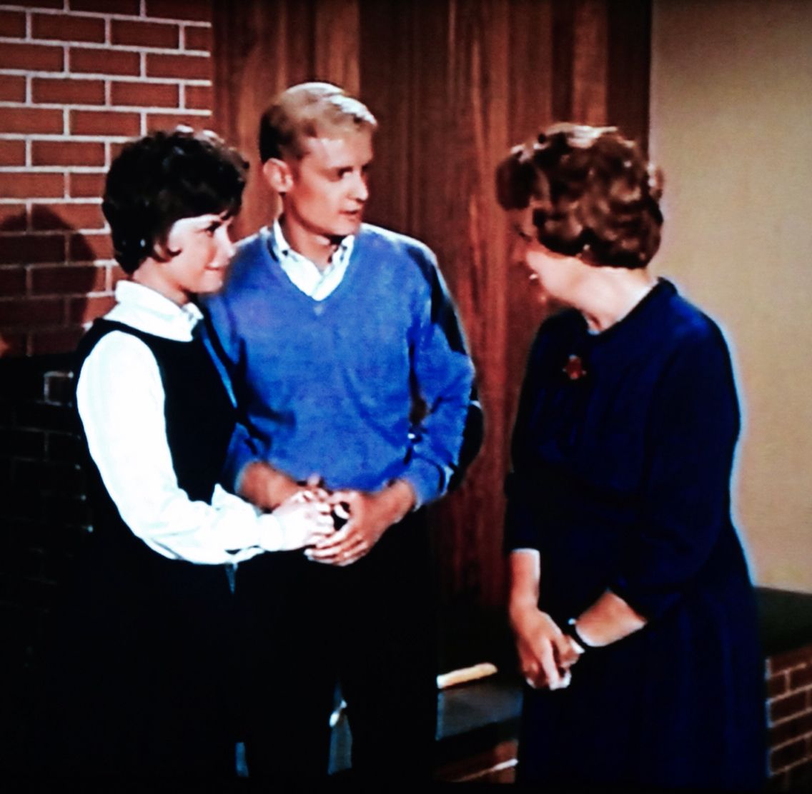 An Uncredited Bonnie Franklin Shows Up As Prospective Home Buyer In Season 5 Of Hazel With Shirley Booth Shirley Booth The Maids Valerie Bertinelli