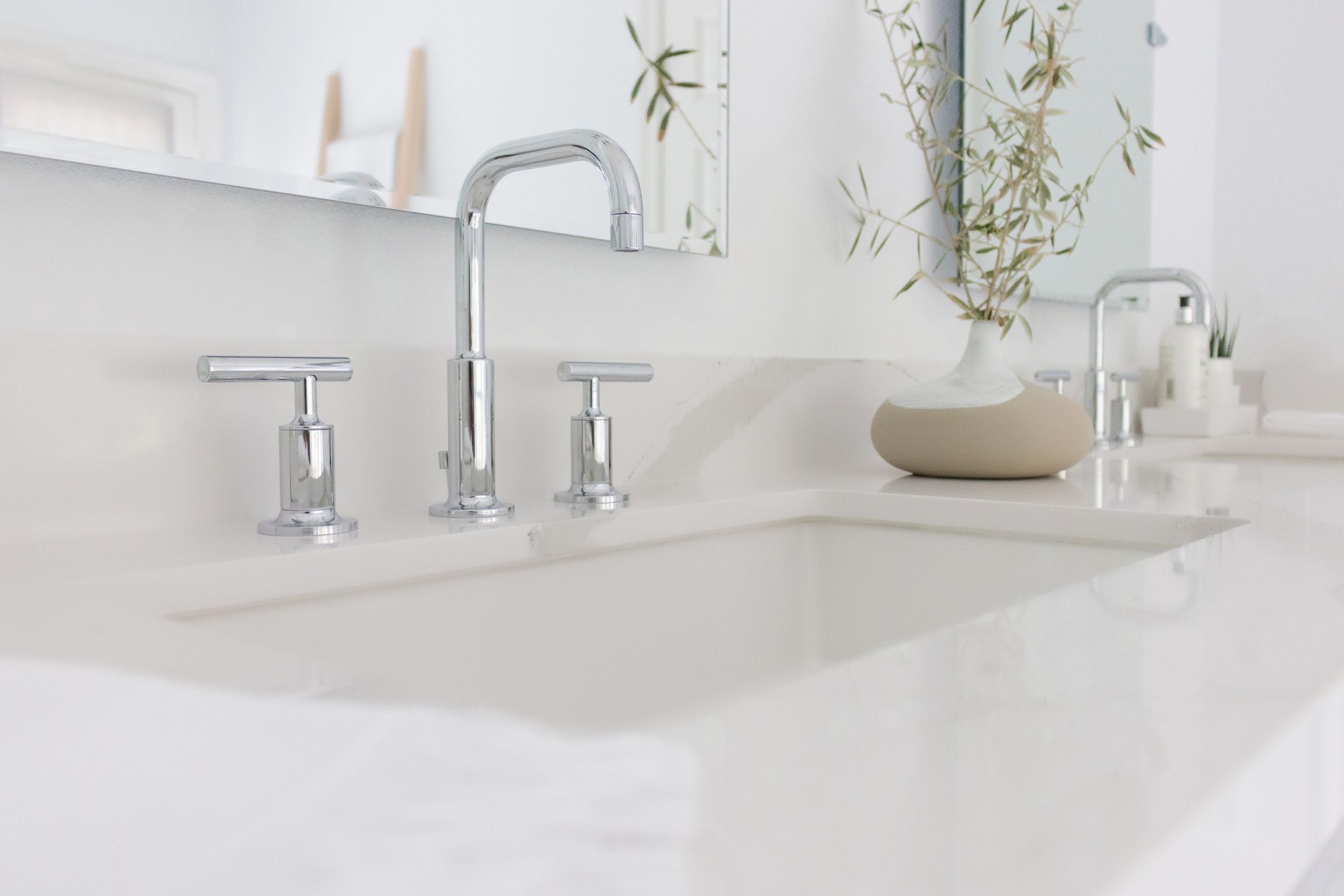 Master bath sink. Cambria quartz counters. Double vanity. Clean and ...