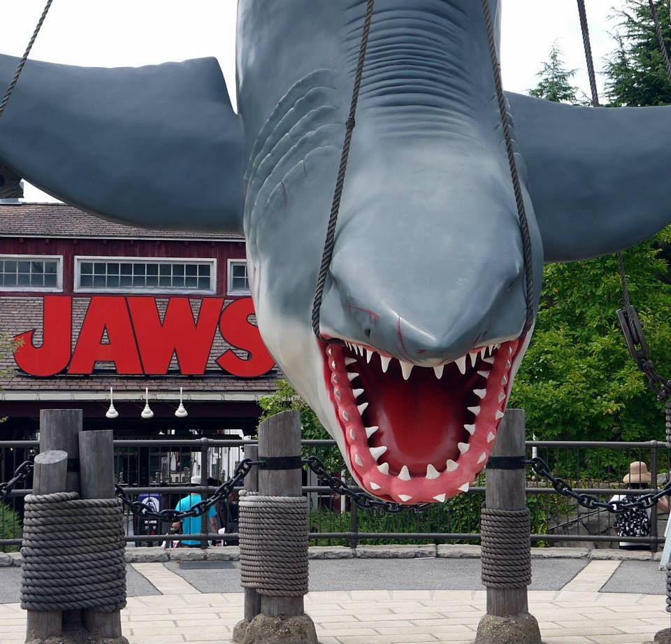 Jaws in Universal Studios Japan   Misstache   Universal