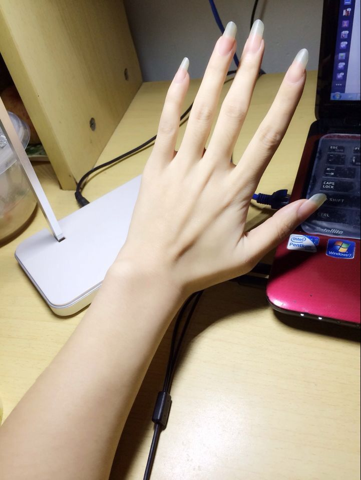 Long nails on long fingers | Natural Nails | Pinterest | Finger ...