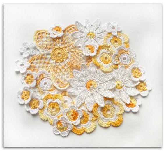 Irish Crochet flowers White yellow Irish lace applique Set of 25 Clothes, hats, interior decor, scrapbook elements #irishcrochetflowers