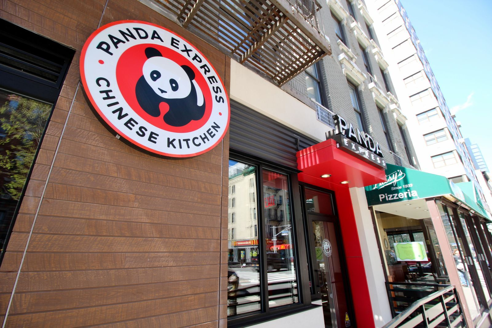22 Fast Food Chains And Restaurants Open On Christmas This Year Panda Express Open On Christmas Fast Food Chains