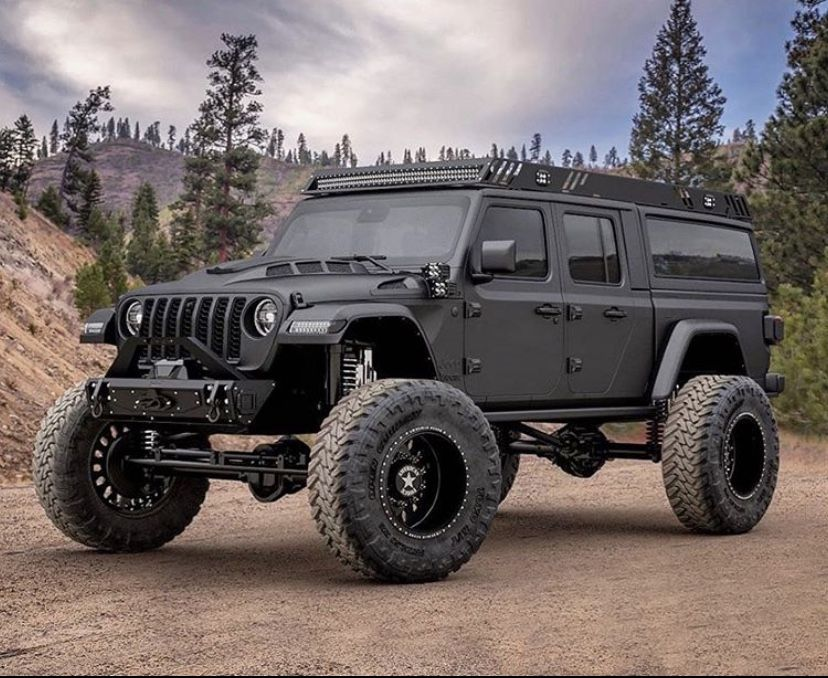 Jeep Gladiator Overland 4x4 Offroad Lifted Roofrack