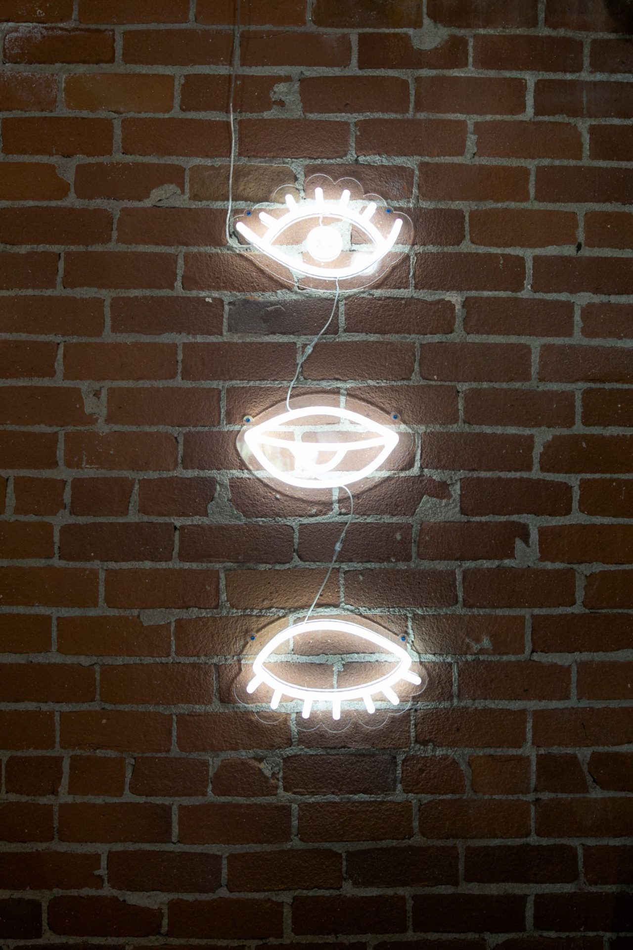 Eye see this amazing LED neon sign