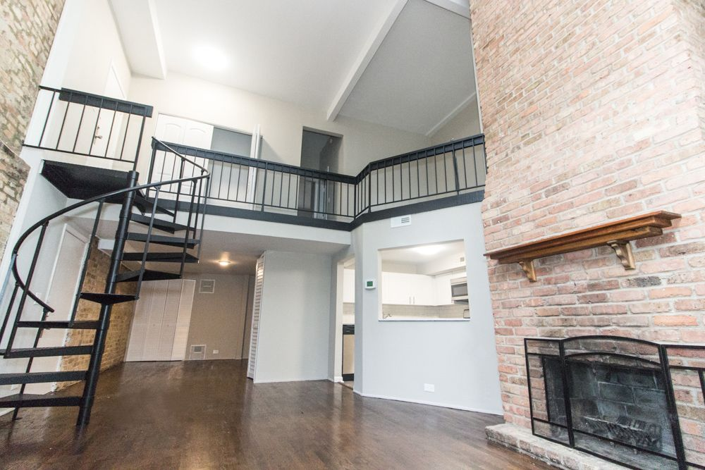A Two Story Living Area Makes This 3 Bedroom Apartment In Lakeview