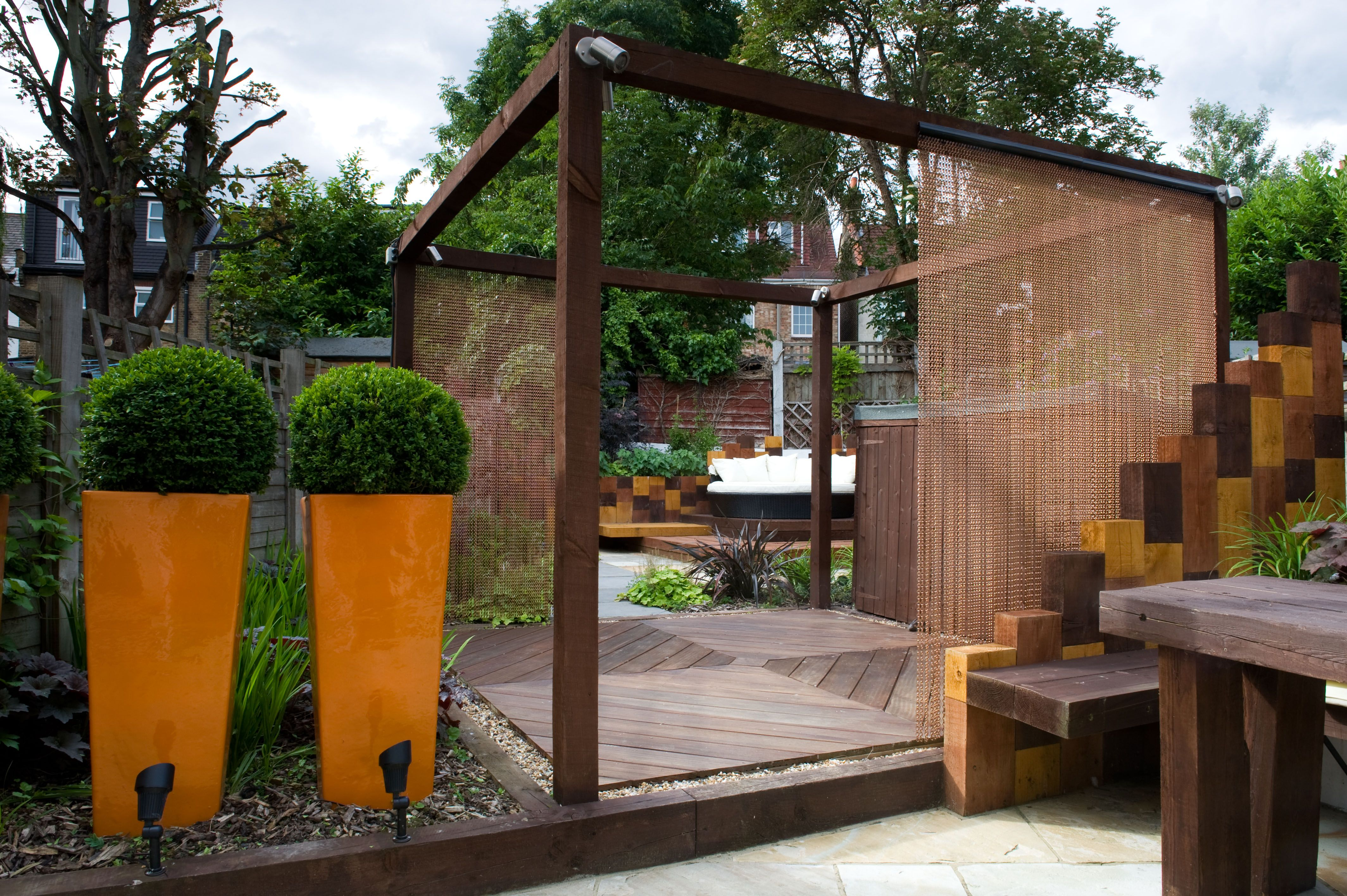 Modern Town Garden East London | East london, Railway sleepers and ...