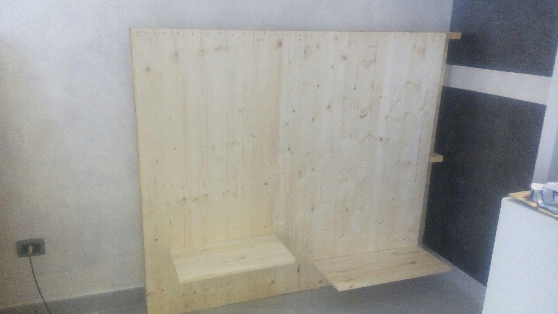 Arredare negozio abbigliamento con bancali pallets in modo ecosostenibile In questo caso abbiamo recuperato delle tavole di legno tagliate…