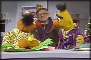 Christmas Eve On Sesame Street Bert Ernie And Mr Looper Sesame Street Dvd Sesame Street Christmas Fun