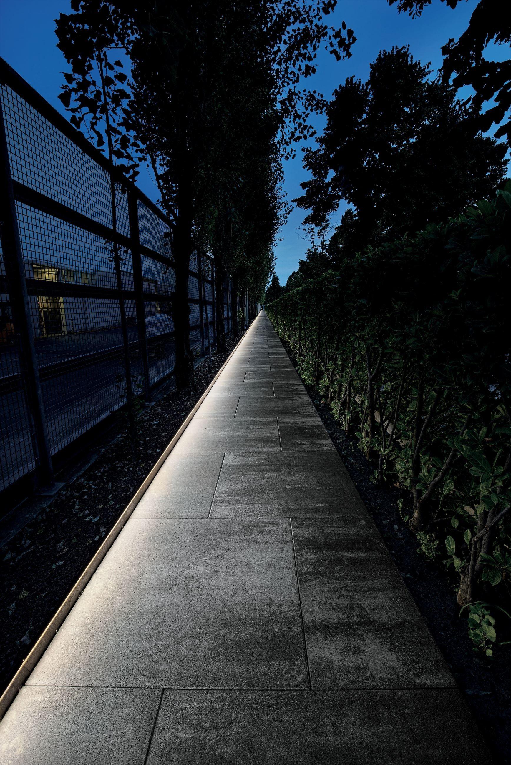Dirigo By Linea Light Group Archello Outdoor Landscape Lighting Landscape Design Outdoor Garden Lighting