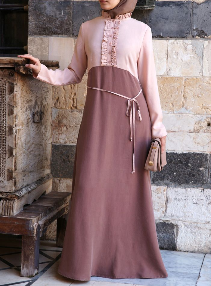 Victorian vibes - such a cute #Abaya from SHUKR #Islamic Clothing
