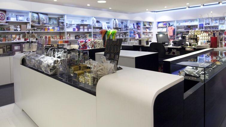 Int gration de la boutique souvenirs centre des monuments nationaux au coeur d 39 un monument - Boutique des musees nationaux ...