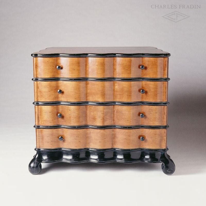 Scallop Chest Of Drawers