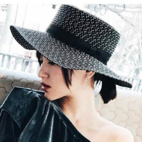 Black flat brim sun hat for women beach straw boater hats with bow