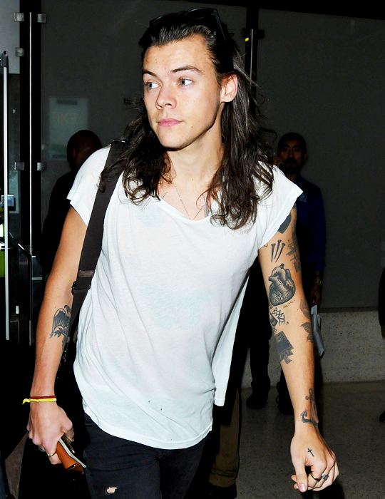 Pin By Mandi Marie On Hs 2014 Harry Styles Photos Harry Styles Hot Mr Style