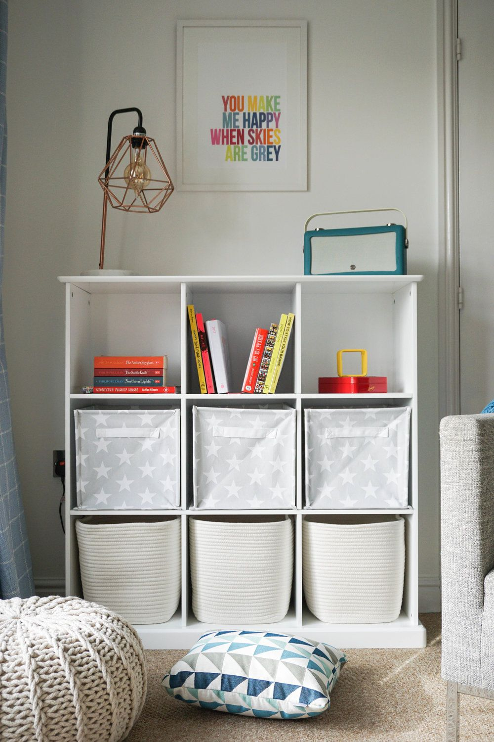 Best Nifty Storage Solutions For Small Spaces Small Bedroom 400 x 300